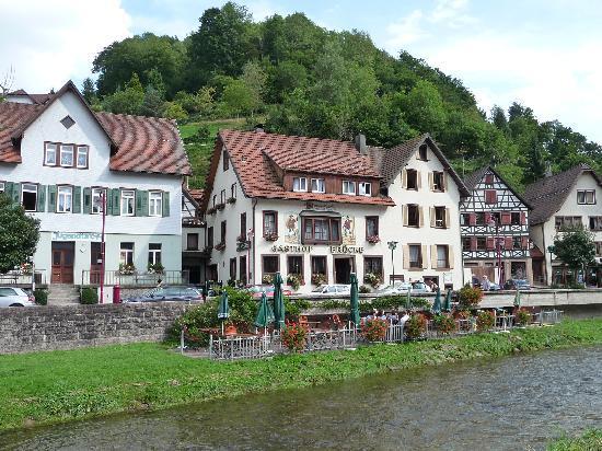 Zur Alten Brücke: Hotel exterior
