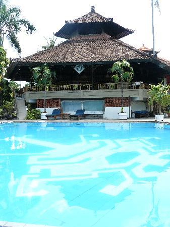Palm Beach International Hotel: restaurant overlooking spa