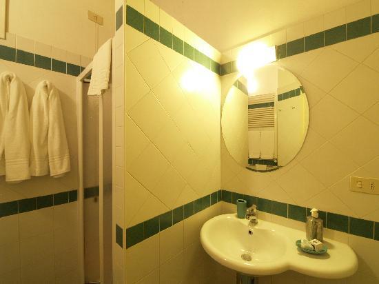 Palazzo Olivia: Bathroom Aparment Fiorello