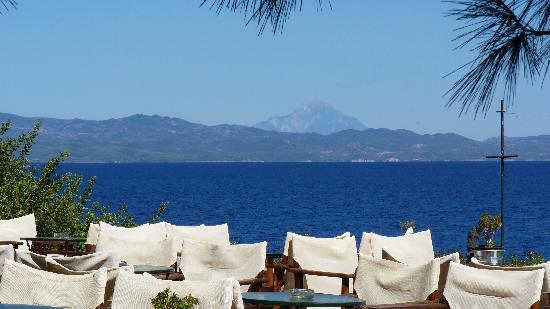 Paliouri, Hellas: Porto Valitsa Bar mit Blick zu Mount Athos