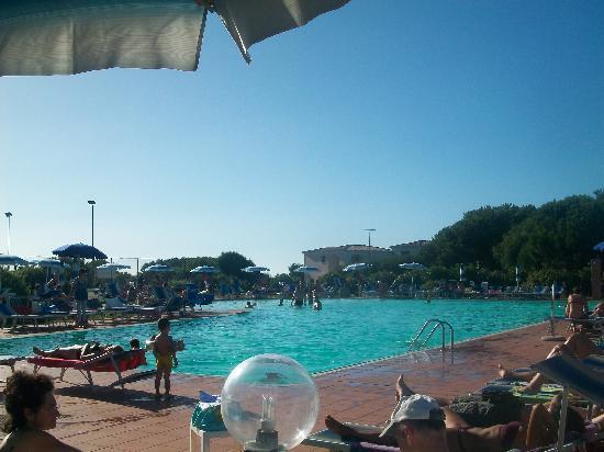 Aglientu, Italie : piscina