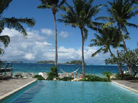 Bora Bora Beach Resort : piscina e spiaggia novotel