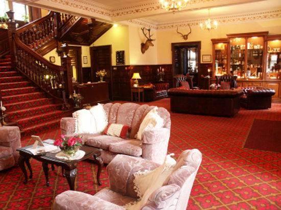 Achnasheen, UK : main hall of Ledgowan Hotel