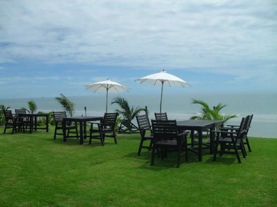 Mantra Resort: mantra beach bar