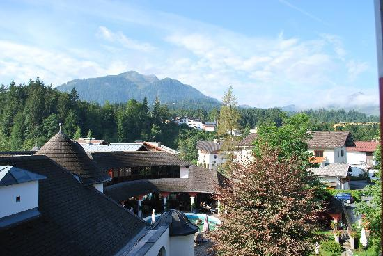 Fieberbrunn, Áustria: View from bedroom over hotel roof