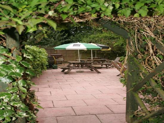 Countryman's Inn: Beer Garden and BBQ