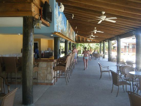 Main Bar by the pool (under Seabreezes)