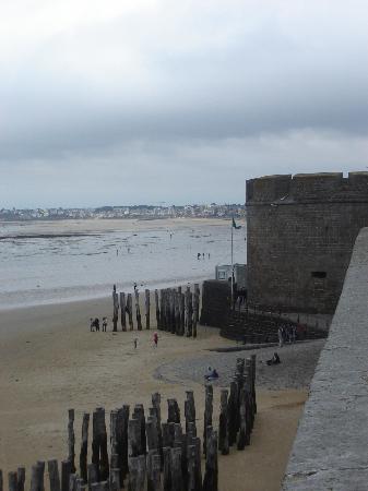 Au Pont Mevault : St Malo