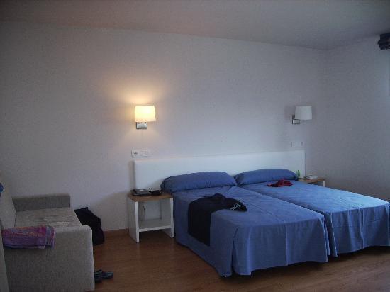 Hotel Playa Azul: Room