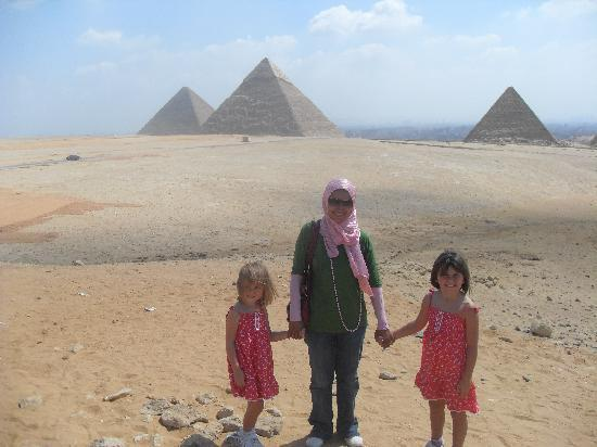 Egypt Queen  Day  Tours: amina and girls