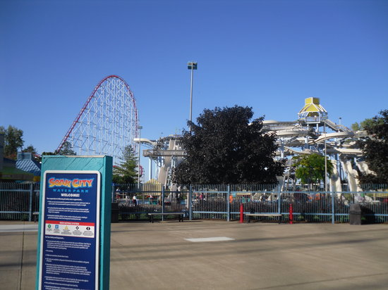 Cedar Point : The biggest conglomerate of 3 identical slides