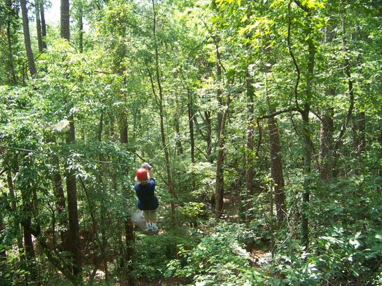 Fayetteville, Carolina del Norte: That's me zipping!