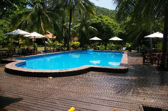 Coral Redang Island Resort: Piscine de l'hôtel