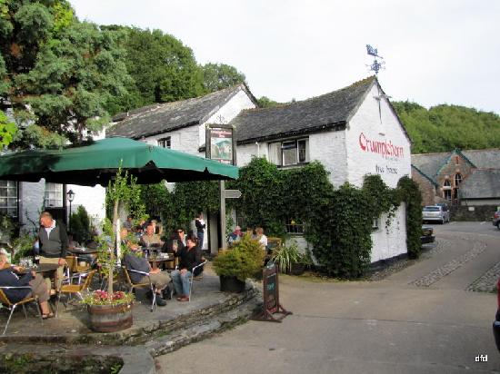 Polperro, UK: outdoor seating