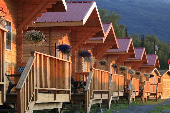 Knik River Lodge: Sunset at the lodge