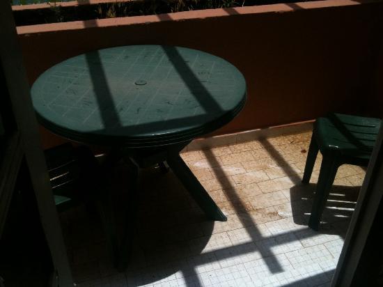 Hotel Sahara Inn : état de la terrasse