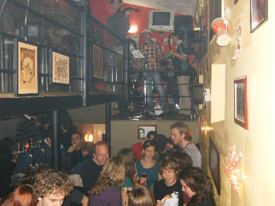 Real Marina Hotel & Spa: Six Irish Men Live @ CheSsenta Bar