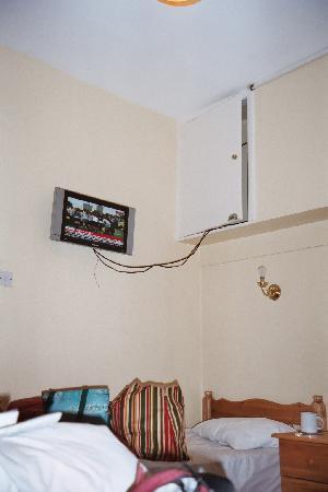 Dun Aoibhinn House: Our Room
