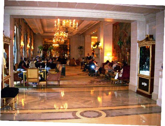Four Seasons Hotel George V Paris: Lobby Lounge-Galiera