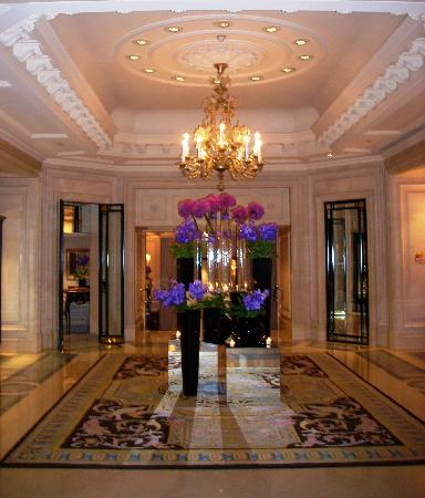 Four Seasons Hotel George V Paris: Lobby