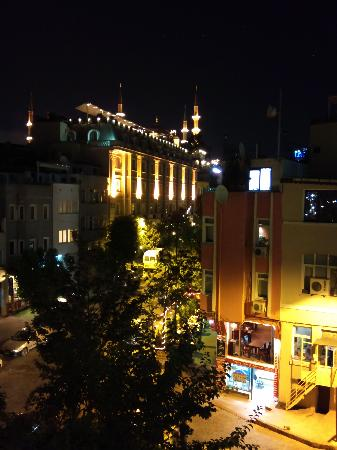 Hotel Amira Istanbul: Roof terrace