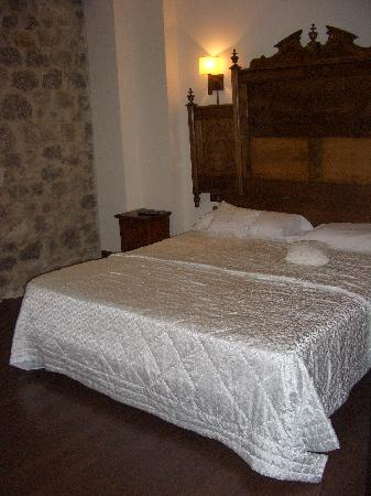 Hotel Balneario La Hermida: Habitación