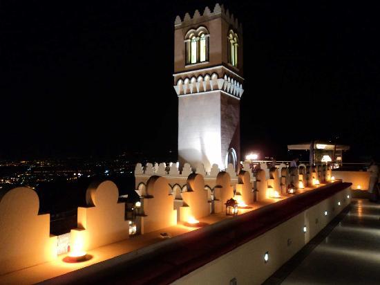 El Jebel Hotel : Roof terrace at night - Hotel El Jebel *****L Taormina