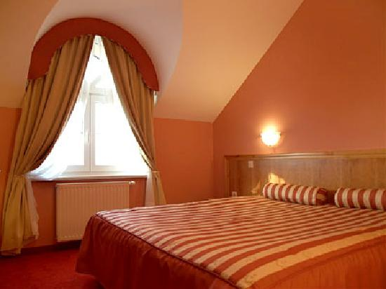 Hotel Dakovo : apartman