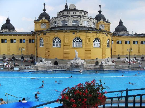 Budapest, Ungarn: The Széchenyi Thermal Baths