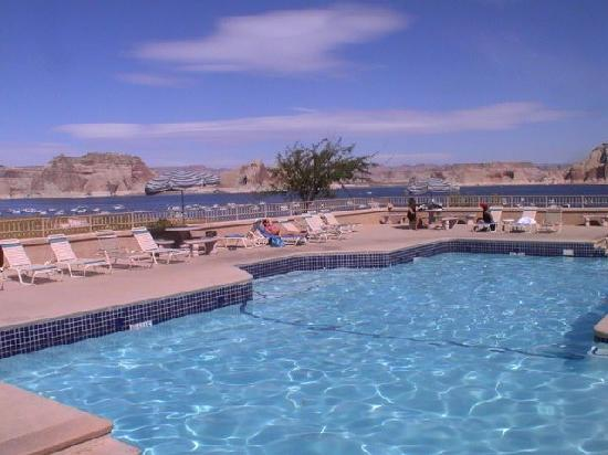 Lake Powell Resort: Der Pool mit geilem Panorama
