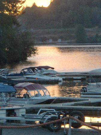 Lake Mayfield  Marina Resort & RV Park: Sunset