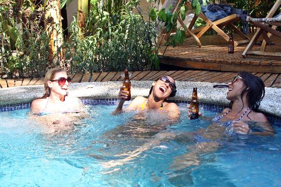 Rancho Privado Hotel: Enjoying the Jacuzzi after some surf.