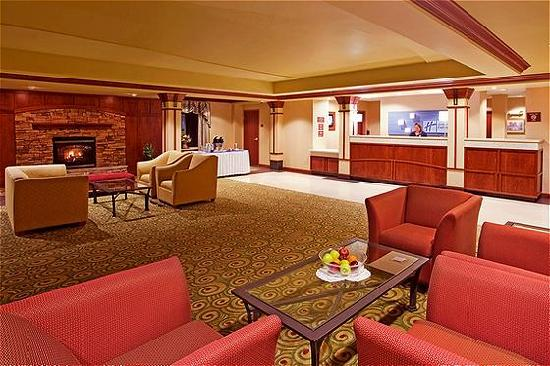 Holiday Inn Express Hotel & Suites West Mifflin: Lobby