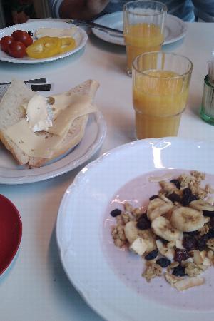Hotel Molndals Bro : Excellent breakfast