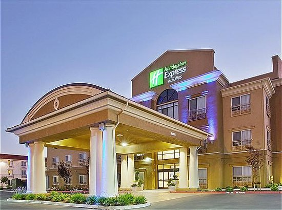 Photo of Holiday Inn Express & Suites Salinas