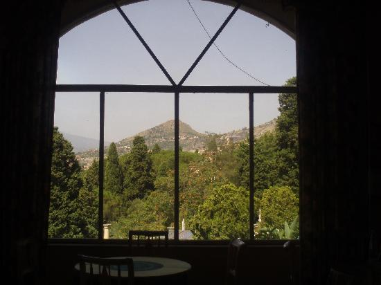 Taormina Park Hotel: VIEW FROM BREAKFAST ROOM