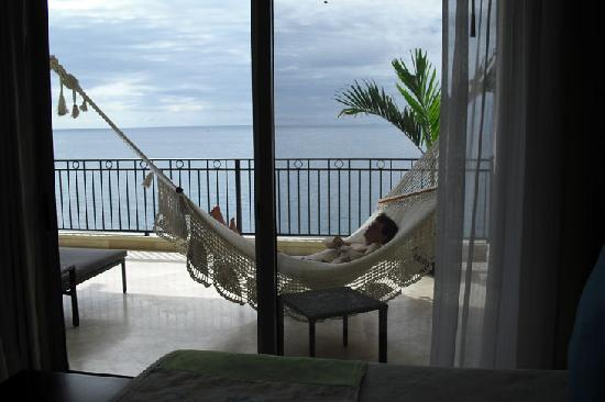 Garza Blanca Preserve, Resort & Spa: View of balcony from one bedroom suite