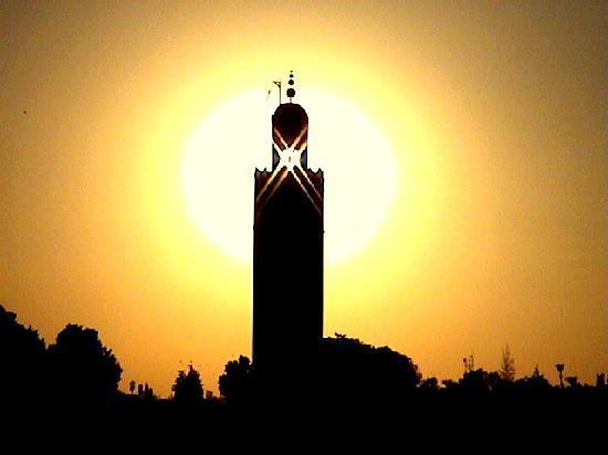 Marrakesch, Marokko: Coucher de soleil sur la Koutoubia