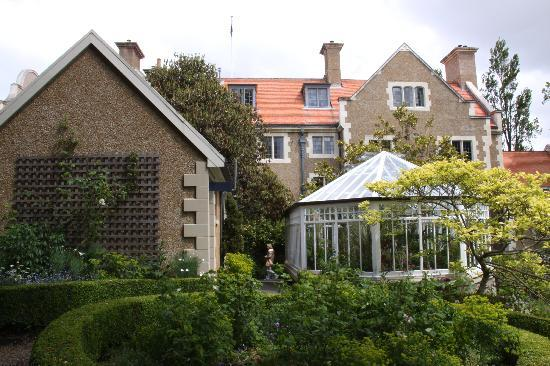 Dunedin, Nueva Zelanda: Olveston House & gardens