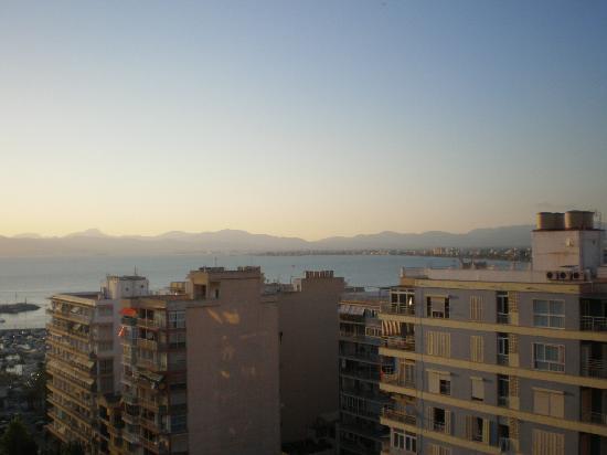 Summa Llorca: esta era la mejor vista q podias ver dsd el balcon, porq... mejor no mirar hacia abajo