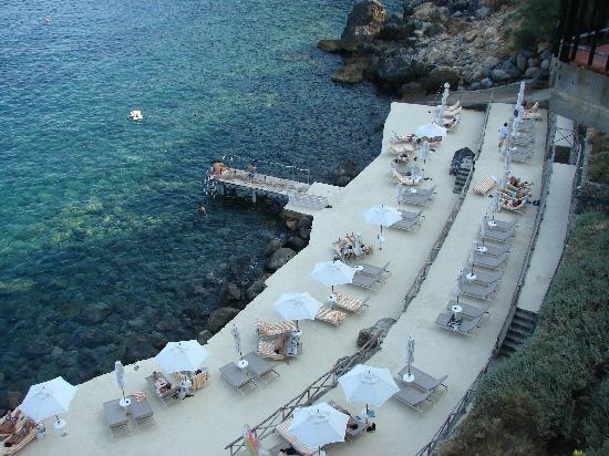 Hotel Il Pellicano: La plage privée
