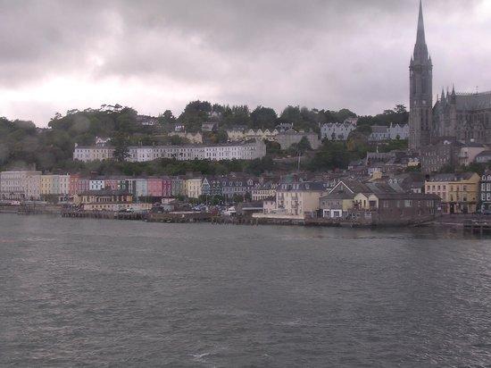 Cobh, Irlande : view of the harbor