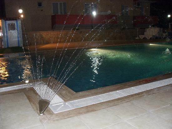 Altinbas Apart Hotel: amazing pool & jacuzzi