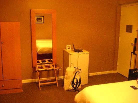 Hotel Belleclaire: Room
