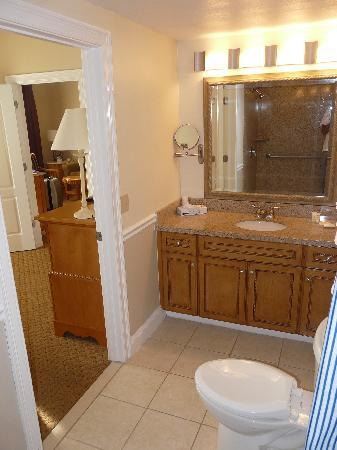 The Cove at Yarmouth: Master bathroom
