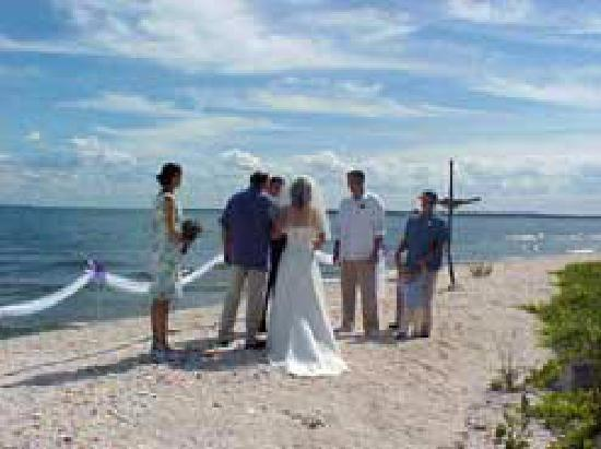 Kelleys Island, OH : Wedding on our Beach