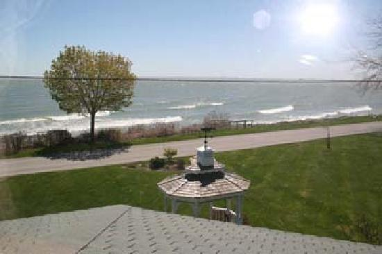 Kelleys Island, OH : Views from the Guest Suites