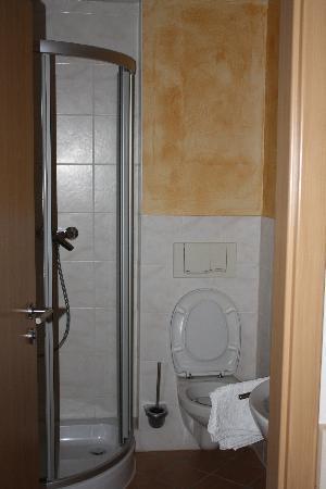 Villa Toskana A3 Hotel: The bathroom
