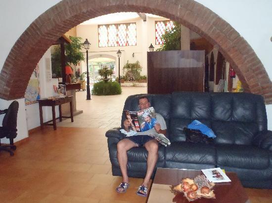 Hotel Castell Blanc : salon