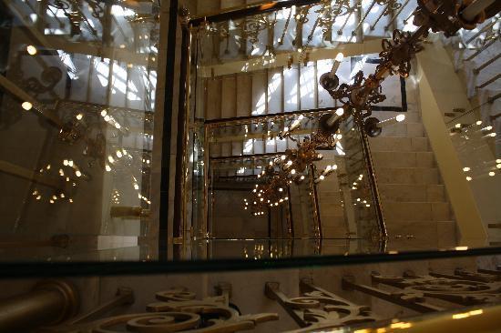 Hilton Moscow Leningradskaya: Stairs